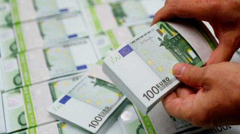 Курс евро превысил 85 рублей